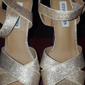 Steve Madden Gold glitter Platform Shoes size 7.5